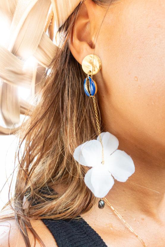 boucles d'oreilles cauri bleu gold filled keishi